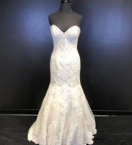 14EFFIE Bridal Gown