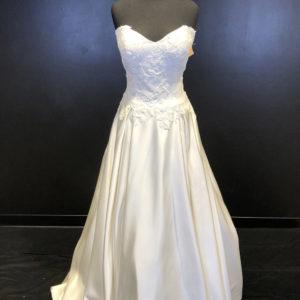14LAVON Bridal Gown
